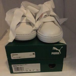 NIB Puma White Basket Heart Explosive Shoes US 9